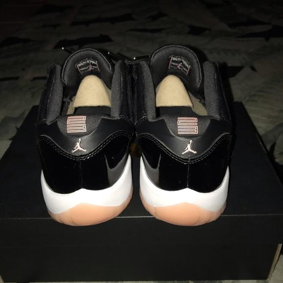 huge discount 3d2d3 24d9d Jordan 11 low bleached coral 8.5 Mens NWT